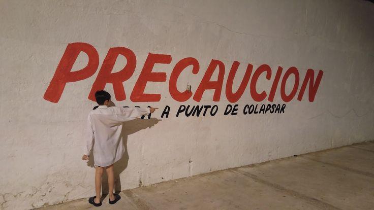 A punto de colapsar - Sr Sol. Foto de arte conceptual usando el mensaje de una barda en la playa de Icacos, en Acapulco Guerrero.