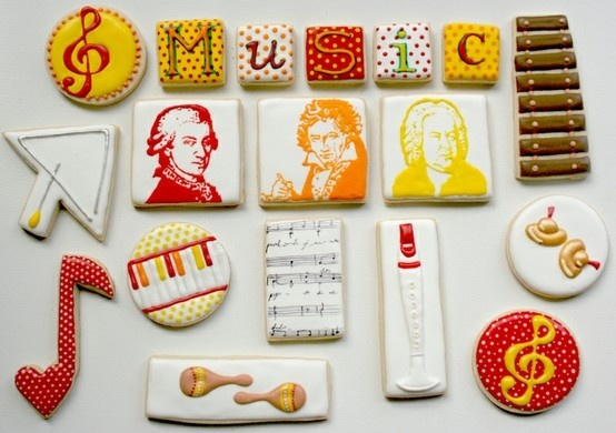 What talent! One cookie probably took quicker than you would think....but if we were doing it..the cookie would be bad by the time we finished ;D #piano #music #dessert