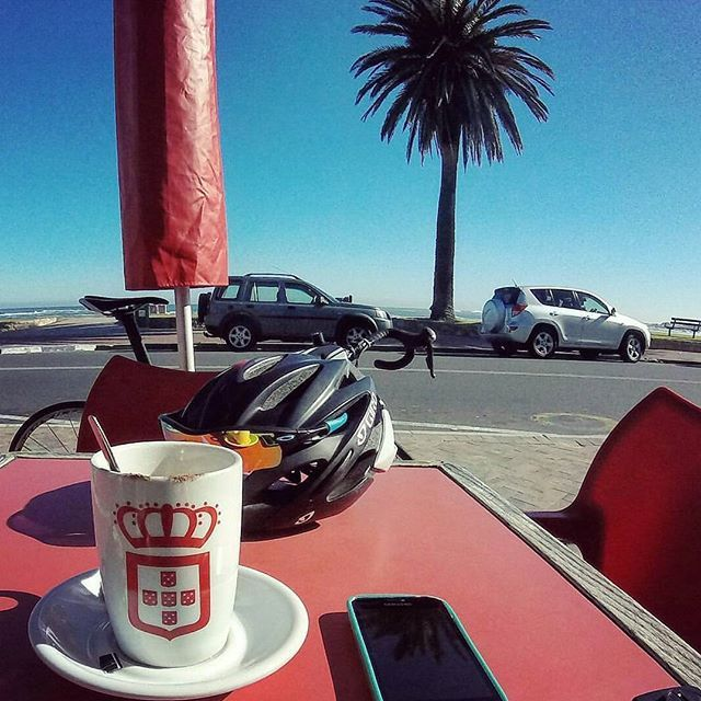 cycle break on seapoint promenade another #lifeandcoffee moment... here  @reinolourens96 is enjoying a cappuccino at vida. #vidaecaffe http://vidaecaffe.com/