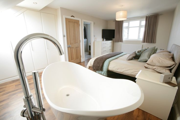 We love this gorgeous bath which is part of the bedroom itself.