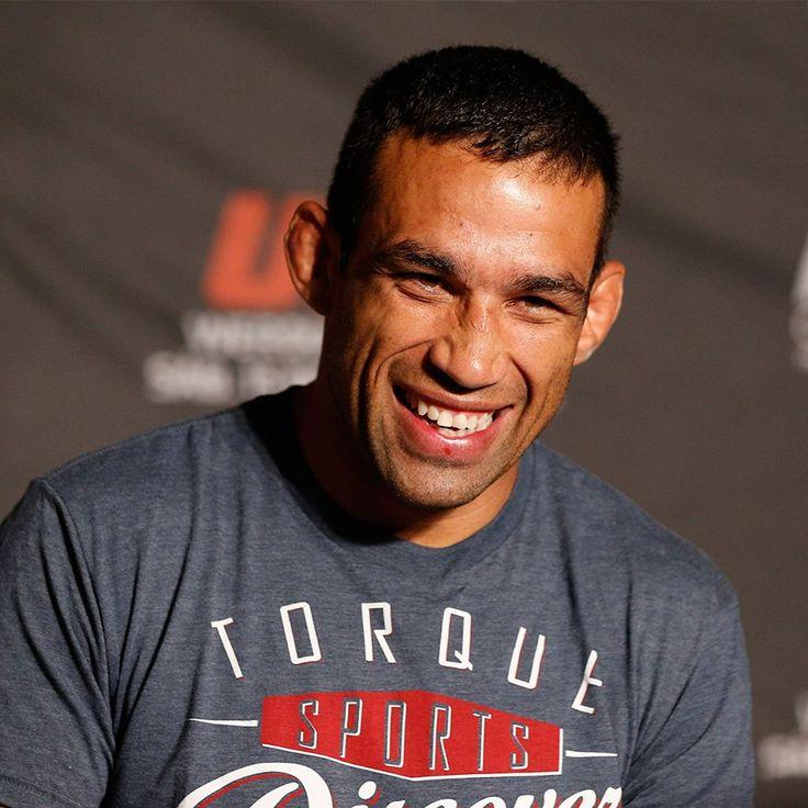 Fabrício Werdum é um lutador brasileiro de artes marciais mistas e atual campeão Peso Pesado Interino do UFC <3