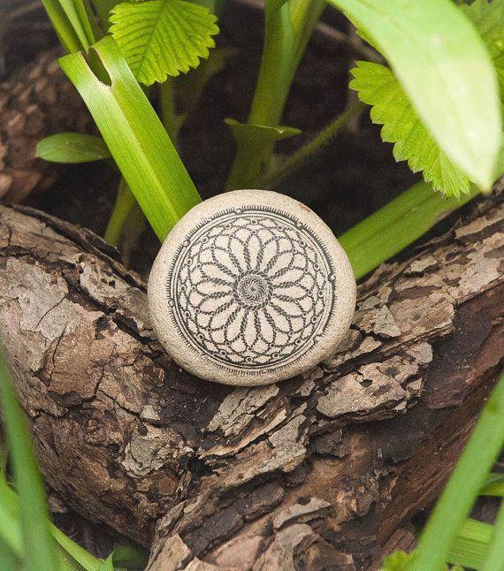 Mandala-Kunst. Böhmische Bedding Mandala Meditation / Mandala Boho Dekor / natürlichen Strand-Stone-Art. Mandala-Tischdekoration