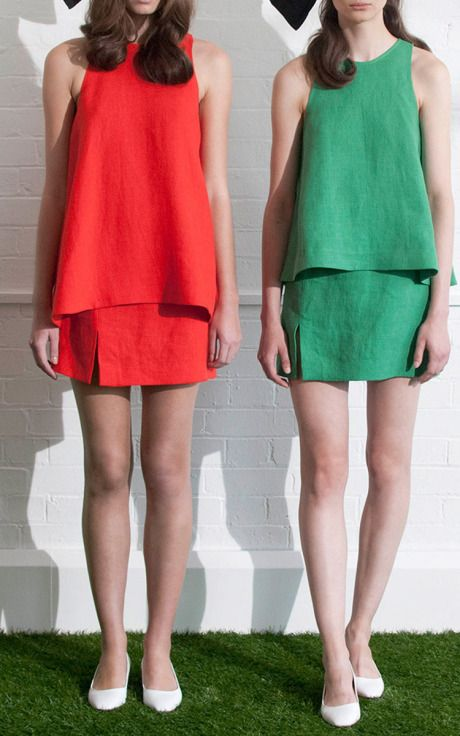 NY Fashion Week, preorder Isa Arfen Spring 2015 Trunkshow Look 5 - Long Circle Top In Linen Canvas, Circle Top and Mini Skirt With Slit In Jamaica Green or Campari