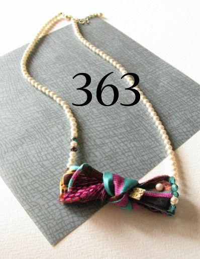 arlequin 団長の蝶ネクタイ 363 necklace〜シルクハットに長い髪の毛  小鳥がブラウスにとまると蝶ネクタイに変わった☆〜  アニマルを愛する...|ハンドメイド、手作り、手仕事品の通販・販売・購入ならCreema。