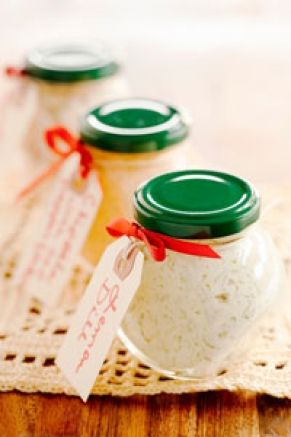 Giving compound butters with your favorite savory herbs makes for a great gift! #shopfesta