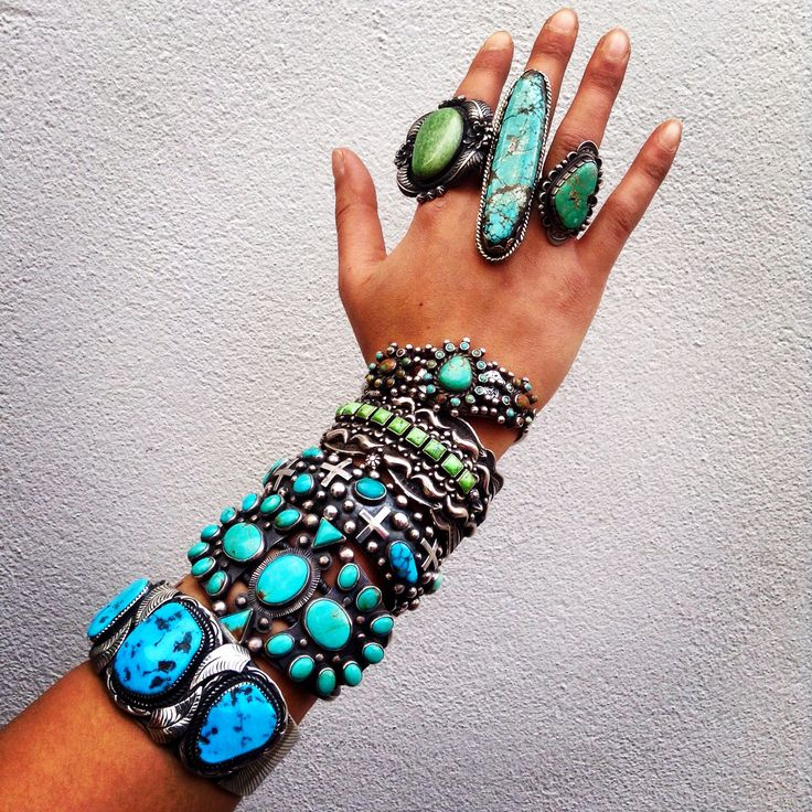 Antique authentic Navajo turquoise via Jessie Western. Massive swoon.