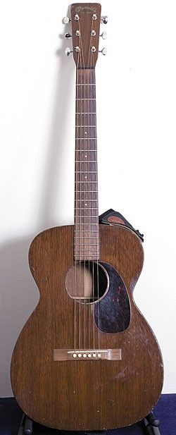 Frusciante used this Martin 0-15 to record all of the acoustic parts on The Empyrean. It can also be heard on tracks by the Red Hot Chili Peppers and the Mars Volta.