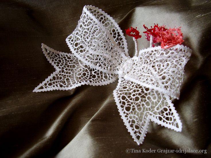 Hand-made Idrija bobbin lace wedding brooch