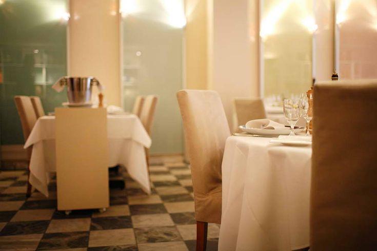 Mediterraneo: Wonderful traditional Italian cuisine, prepared with knowlegde, skills, imagination and a lot of love