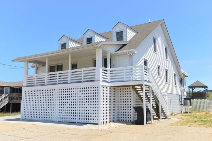 A perfect Outer Banks, NC 7-bedroom House rental in Kill Devil Hills located Oceanfront. Pool Pet friendly