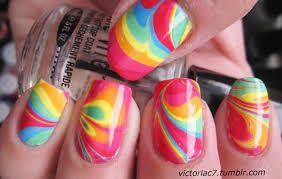 Fris en fruitig zomerse nagels