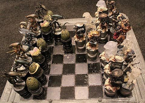 Alien vs Predator Chess Set.: Chess Boards, Aliens Predator Prometheus, Ajedrez Aliens, Sets I, Someecards, Movie, Alien Vs Predator, Predator Chess Sets, Aliens Vs Predator Chess Set4