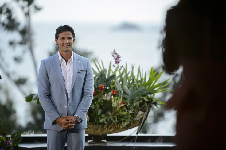 Looking dapper in a suit! http://tenplay.com.au/channel-ten/the-bachelor/photos/finale-behind-the-scenes