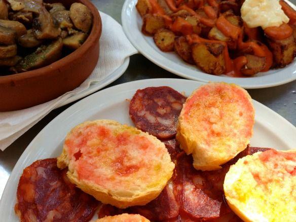 Neu im Blog: Lecker, lecker - die besten Tapas in Barcelona. http://www.travelontoast.de/2013/07/die-besten-tapas-in-barcelona/ #tapas #barcelona