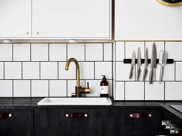 emmas designblogg - design and style from a scandinavian perspective - snyggt med Globalknivarna på väggen.