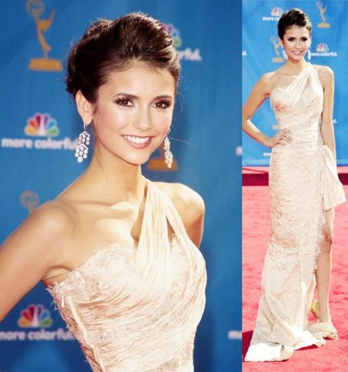 Nina Dobrev. perfect.: Girls Crushes, Red Carpet, The Dress, Perfect People, Nina Dobrev, Gorgeous People, Hairs Makeup, Gorgeous Girls, Champagne Dresses