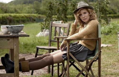 A well traveled womanFilm, Full Skirts, Everyday Wear, Sienna Miller, 40S Style, The Edging, Cozy Fashion, Fall Outfit, Boots