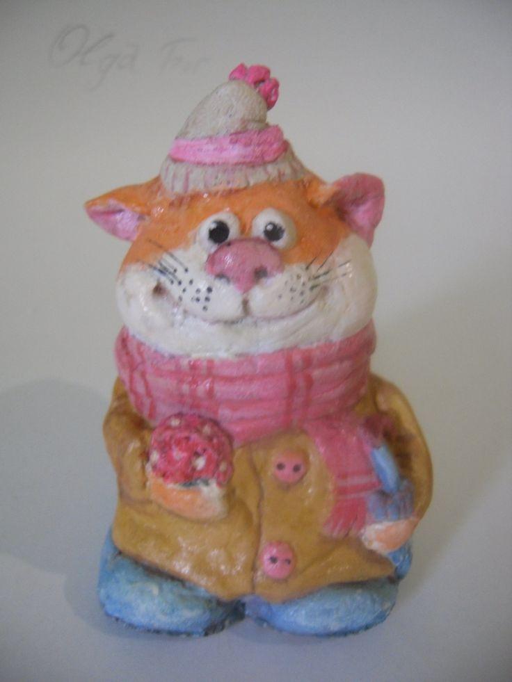 Статуэтка Счастливый кот.Ольга Шейк.размер14х8.соленое тесто.