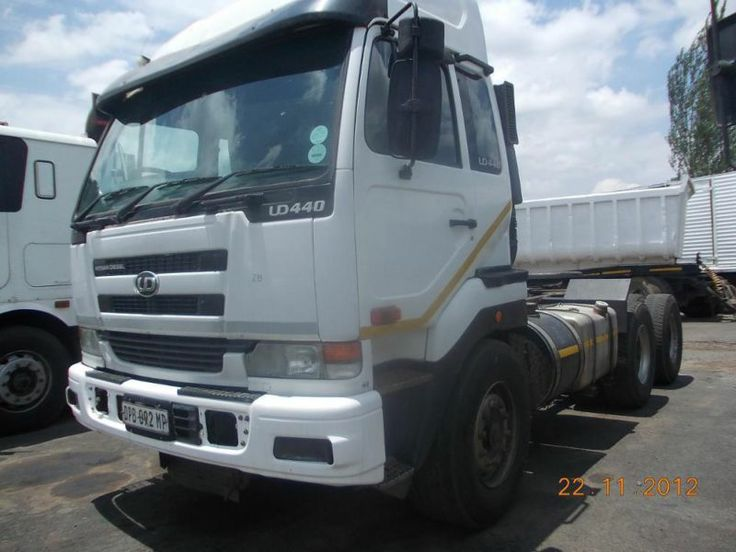 DIAMANTÉ CONDITION 2007 UD 440 WITH 400. KMS  GOING FOR SALE AT A VERY LOW PRICE. CALL MAX ( 27745457172) FOR MORE INFORMATION,