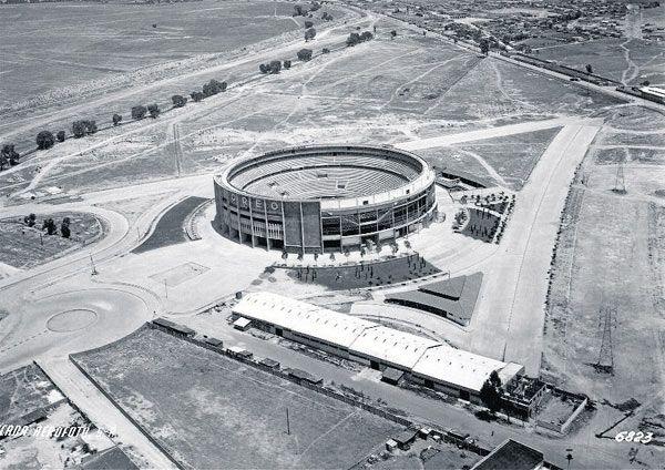 TOREO DE CUATRO CAMINOS El hoy demolido Toreo en 1950