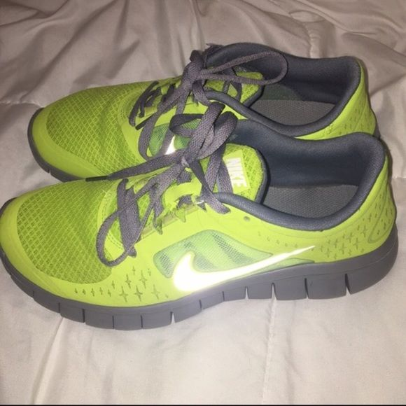 ✨Holiday Special pricing & $2.99til 12/17!✨ NIKE Free Run 3.0: Volt/grey Great condition!! Might consider new laces. I wear 7.5/8 ladies and fit into kids shoes. These were a little tight on me so if you're a 7-8 ladies these should work for you! **Firm**As is**Final Sale* Nike Shoes