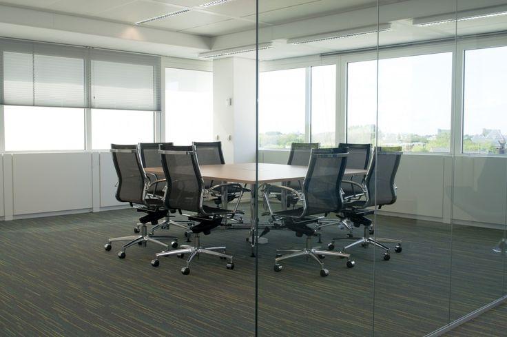 25 beste idee n over glazen wanden op pinterest zolderstijl grootse plannen en kantoren - Kantoor modulaire interieur ...