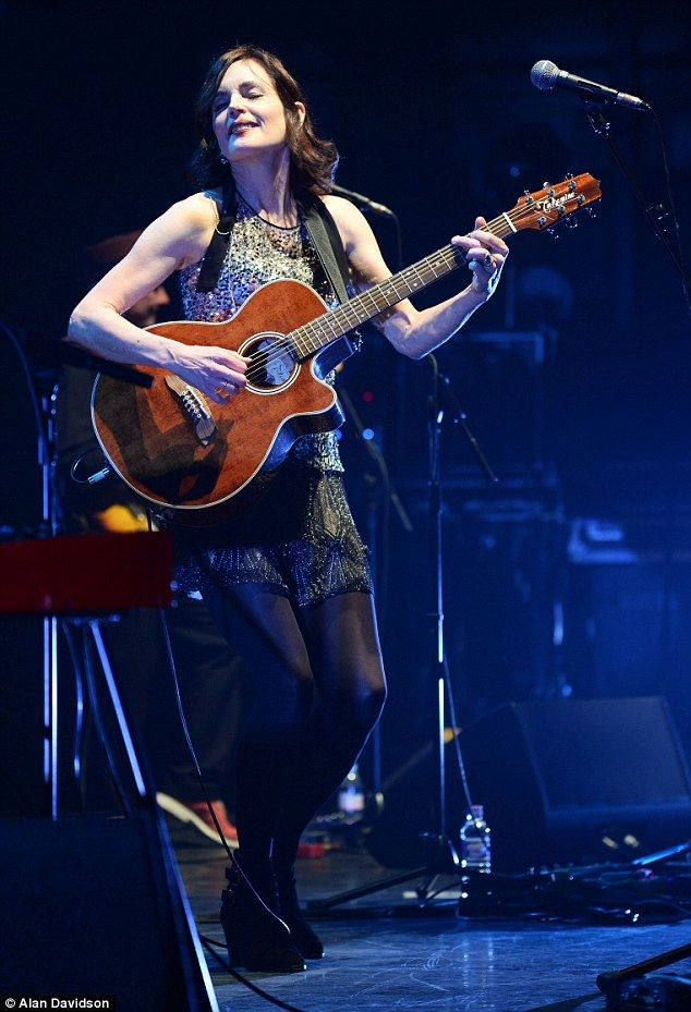 Getting Down(ton): Elizabeth McGovern performs as Sadie and The Hotheads at the Hammersmith Apollo