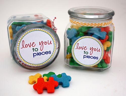 Cute gift with puzzle shaped cookies.  You could also do this with Reese's pieces. Great for a teacher gift.