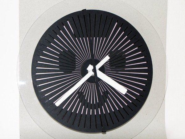Moire Seconds Clock Prototype_by Zoltan Kecskemeti B.