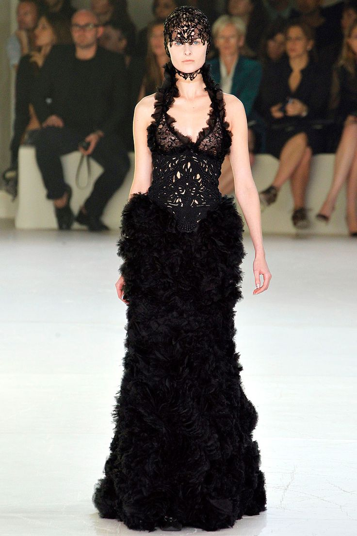 188 best F :: Gorgeous Gowns images on Pinterest | Fashion ...