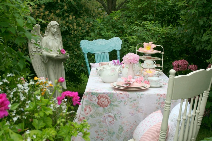 Romantic outdoor table with angel...: Teas Time, Angel Wait Do, Hairstyle Ideas, Country Gardens, Angel Theme, Hairstyles Ideas, Places Sets, Teas Parties, Photography Ideas