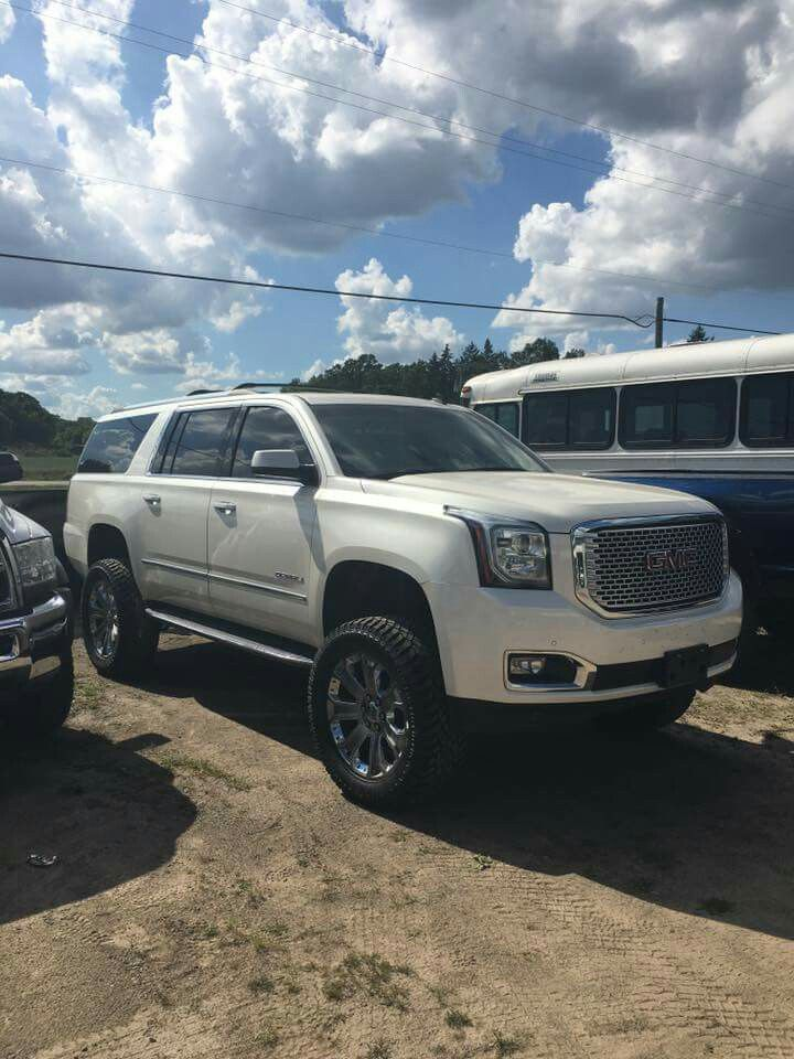 "Chevy Lifted Trucks >> 2016 GMC Yukon XL with a 6"" Fabtech lift. 