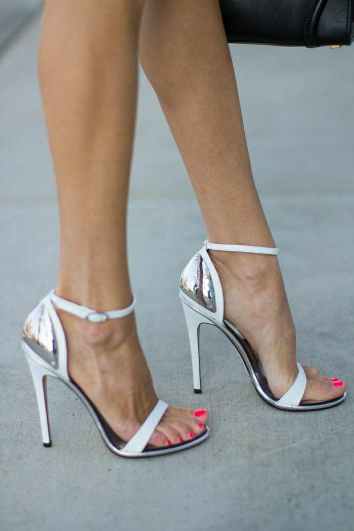 Tolle weiße sandalen mit absatz