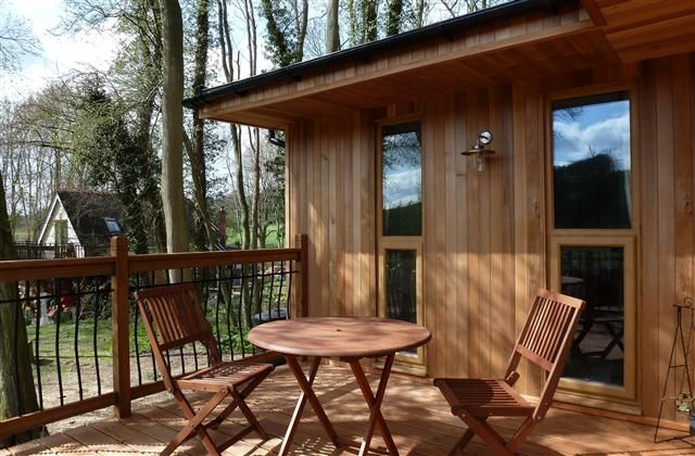 1 Bedroom Lodge in Ledbury to rent from £245 pw. With balcony/terrace, TV and DVD.