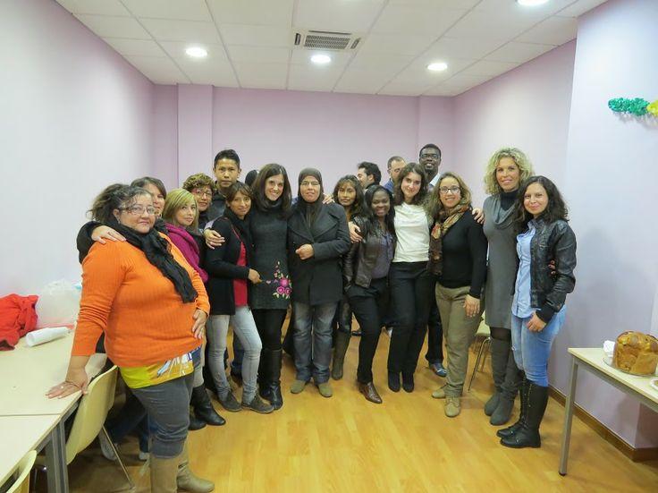 Clausura del Curso Introducción a la gestión de comunidades virtuales de Cepaim, en el centro Korays 2013. Las chicas