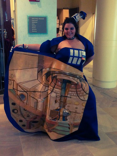 cosplay, plus size, costume, convention, DIY, sewing, Doctor Who, Tardis