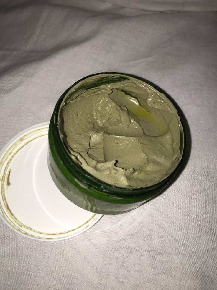 Pore cleansing and moisturising mask
