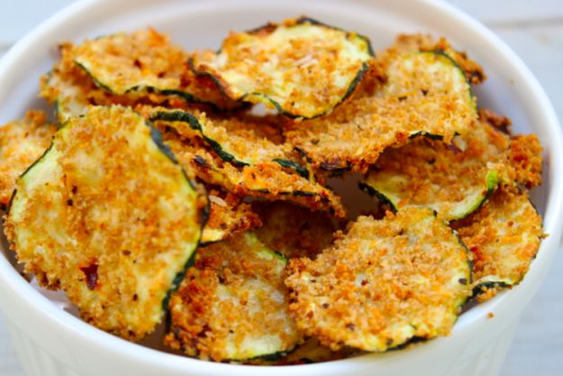 Oven Baked Zucchini Chips | 21 Easy, Healthy Snacks For When You're Trying To Lose Weight
