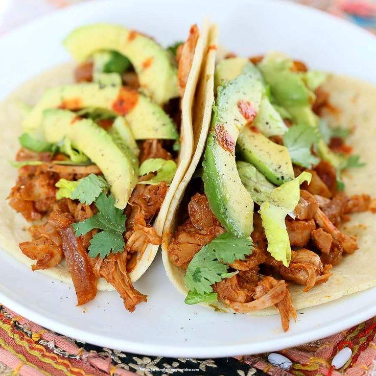 "A vegetable that makes a vegan pulled ""pork""? Sign me up!   Spicy Chipotle Garlic Jackfruit Tacos   Vegan Richa #vegan #tacos"