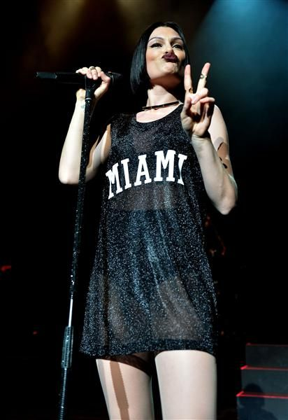No, no, no! Jessie J, the Duckface is ONLY allowed on Instagram, and even that is questionable.