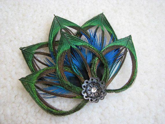 Peacock Feather Flower Fascinator Hair  door TouchOfAWeepingAngel, $30.50