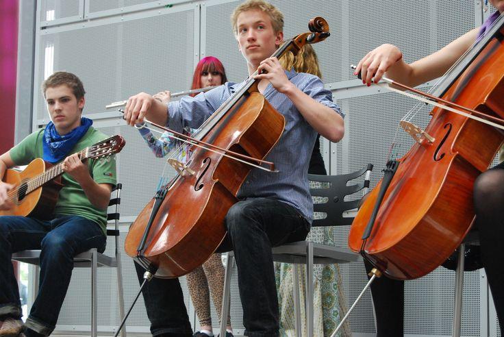 Junge Musiker sorgten für Unterhaltung während der Pause.