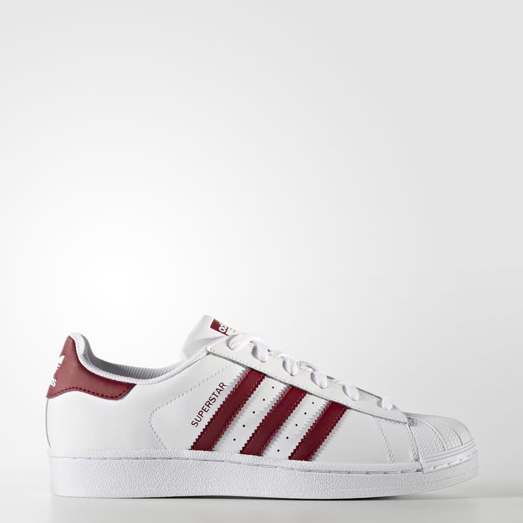 Born in 1970, the adidas Superstar sneaker was an instant classic on professional basketball courts before stepping out as a street shoe. These women's shoes have an authentic look in leather with serrated 3-Stripes and a rubber shell toe.