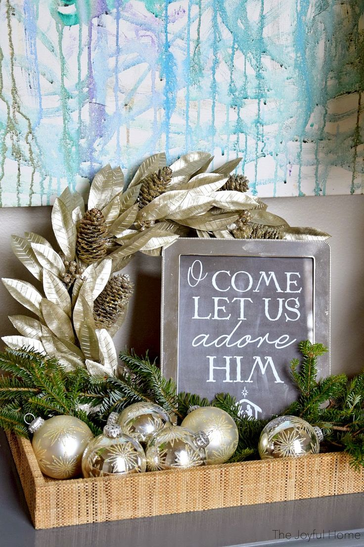 Christmas vignette - Maybe for storage unit in bedroom foyer or coffee table.