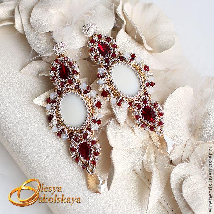 Купить №137 - Свадебные длинные серьги ROYAL GARNET/ Королевский гранат - серебряный, золотой, жемчуг