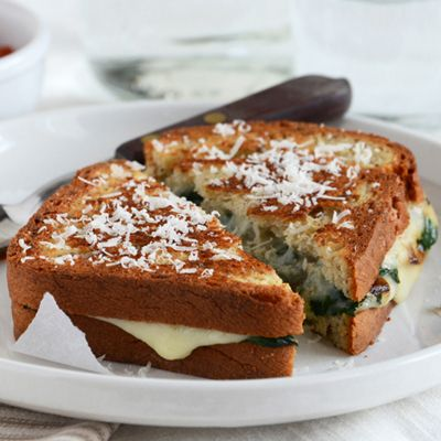 Spinach- mozzarella grilled cheese