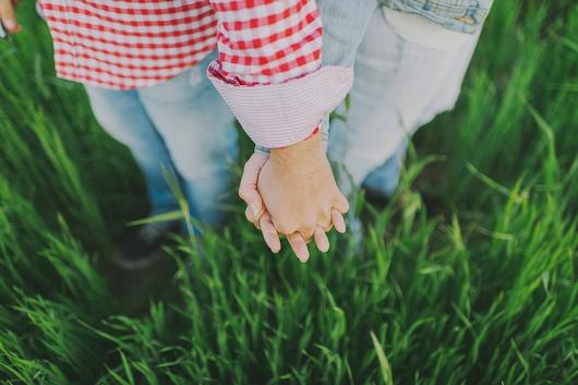 Sesión de fotos preboda en el campo malagueño {Foto, Pedro Bellido} #engagementsession #lovesession #madeinspain
