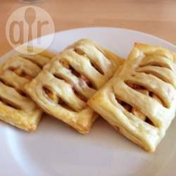 Zdjęcie do przepisu: Ciastka francuskie z jabłkami