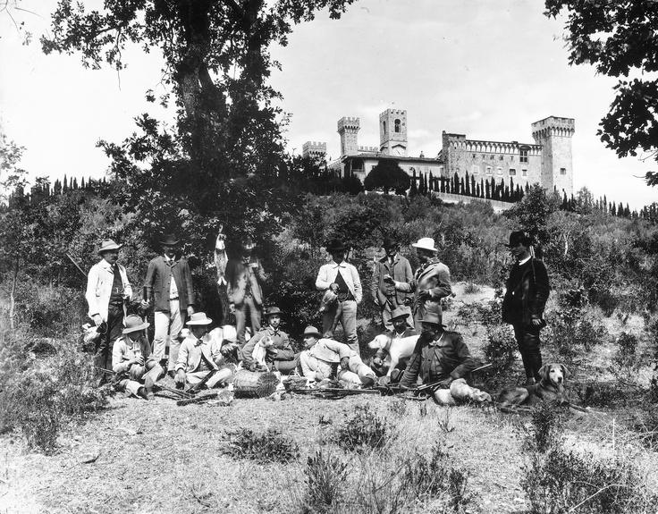 Cacciatori di fronte a Badia a Passignano