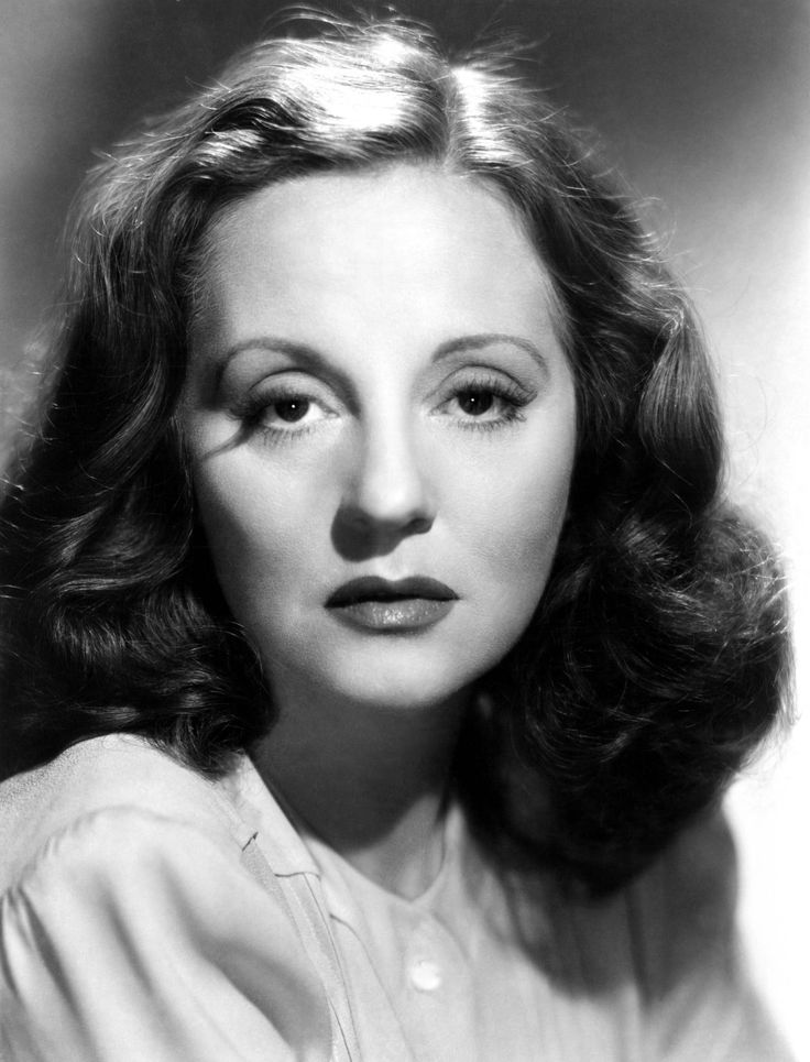 """TALLULAH BANKHEAD ~ Born: Jan 31,1902 in Alabama, USA. Died: Dec 12, 1968 (aged 66) from double pneumonia, Influenza & Emphysema. In 1923 she moved to London for the stage & for several years was the most popular actress of the West End. She returned to the US & filmed """"Woman's Law"""" (1927) & """"His House in Order"""" (1928) with Paramount. Filmed """"Devil and the Deep"""" (1932) with Cary Grant. Noted for Hitchcocks """"Lifeboat"""" (1944). Known for her phrase, """"Hello, Dahling"""" & her flamboyant personality"""